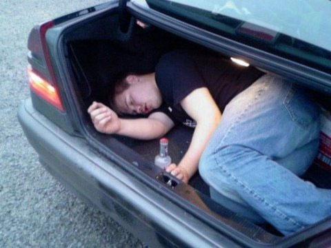 Những pha say xỉn khó đỡ - 11