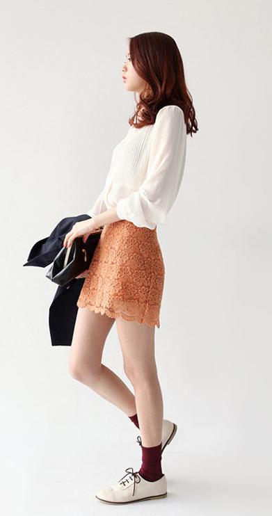 Sơ mi + váy = Cô nàng công sở hoàn hảo - 24
