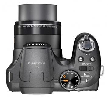 Sở hữu máy ảnh siêu zoom Fujifilm S1800 giá siêu rẻ 4.149.000vnđ - 4