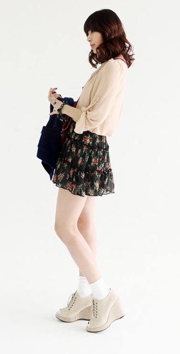 Váy hoa có dễ mặc như bạn tưởng? - 16