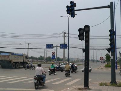 Chùm ảnh: Nhếch nhác đại lộ đẹp nhất Tp HCM - 11