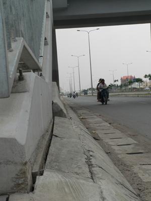 Chùm ảnh: Nhếch nhác đại lộ đẹp nhất Tp HCM - 2