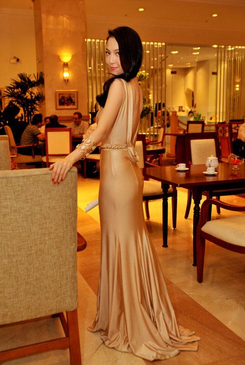 13 chiếc váy đẹp nhất mùa xuân của sao Việt - 2