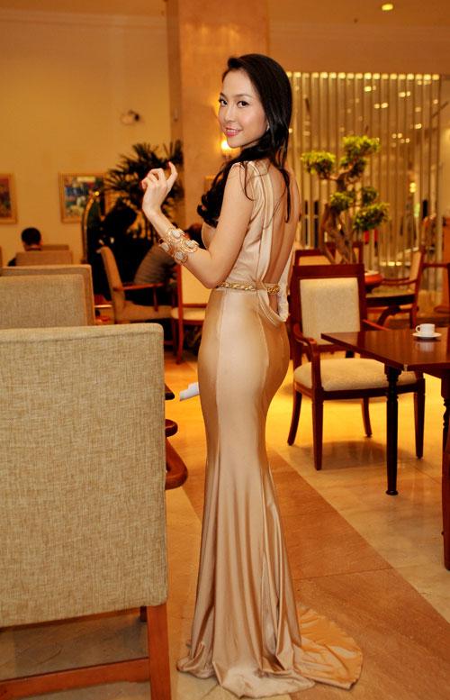 13 chiếc váy đẹp nhất mùa xuân của sao Việt - 3