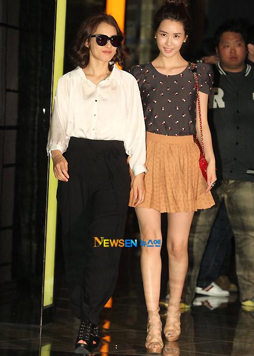 """Kim Nam Joo """"hồi xuân"""" nhờ sơ mi trắng - 5"""
