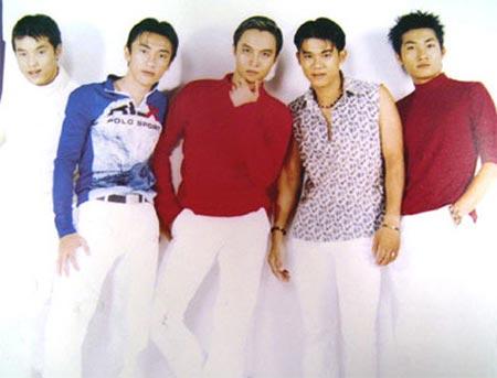 Ca sĩ Việt lận đận tách nhóm solo - 2