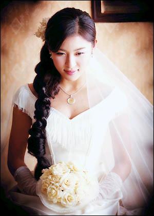 Sao Hàn nào diện váy cưới lộng lẫy nhất? - 11