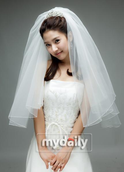 Sao Hàn nào diện váy cưới lộng lẫy nhất? - 19