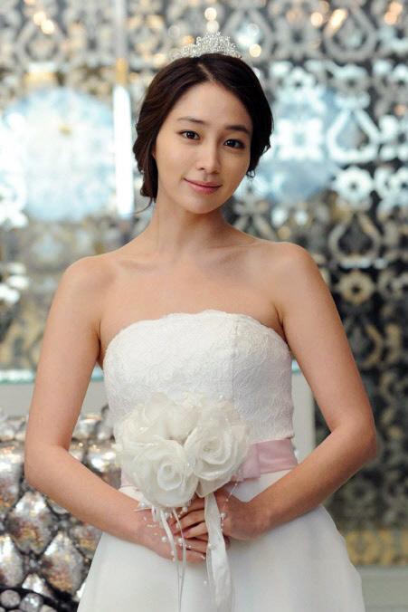 Sao Hàn nào diện váy cưới lộng lẫy nhất? - 3