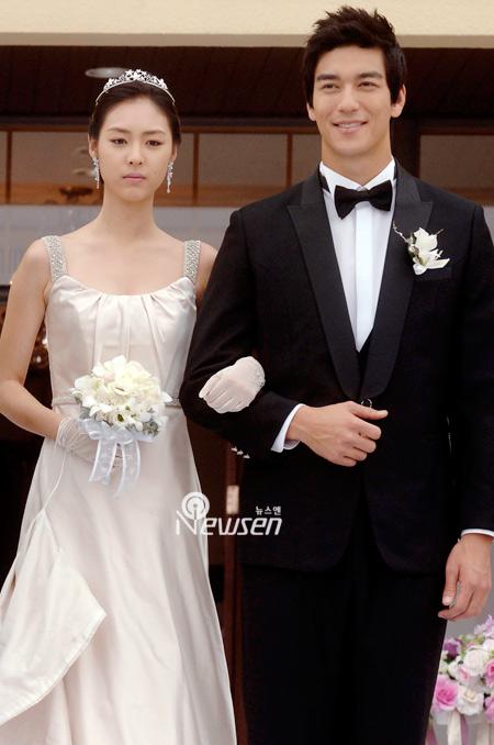 Sao Hàn nào diện váy cưới lộng lẫy nhất? - 8