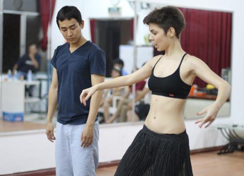 Mặc scandal, Hứa Vỹ Văn vẫn thản nhiên tập nhảy - 7