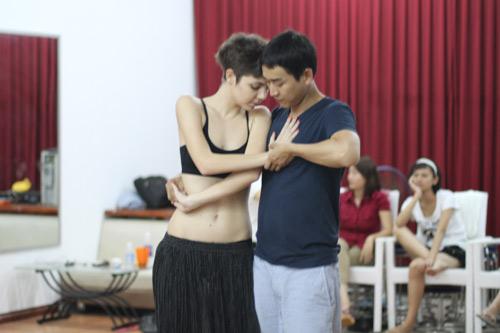 Mặc scandal, Hứa Vỹ Văn vẫn thản nhiên tập nhảy - 9