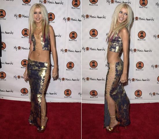 Những bộ váy gây bất bình nhất của sao - 13