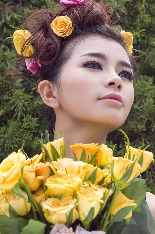 Hotgirl gợi cảm váy hoa - 4