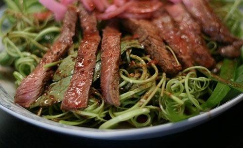 Nộm rau muống thịt bò áp chảo, Ẩm thực, am thuc, mon ngon, nom rau muong, thit bo ap chao, mon ngon de lam