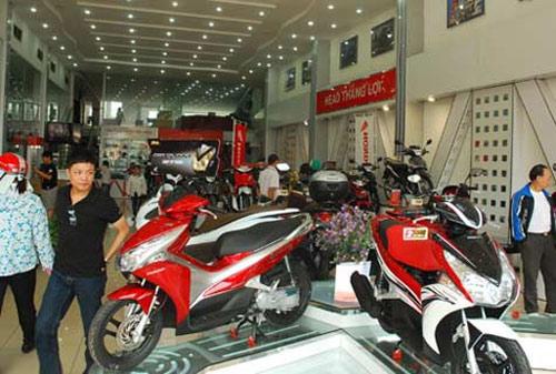 Exciter 2011 và Honda Air Blade giá cao ngất ngưởng - 1