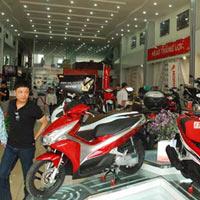 Exciter 2011 và Honda Air Blade giá cao ngất ngưởng