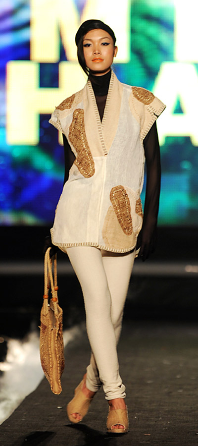"""NTK Minh Hạnh """"chốt"""" lại Tuần lễ thời trang VN 2011 - 1"""