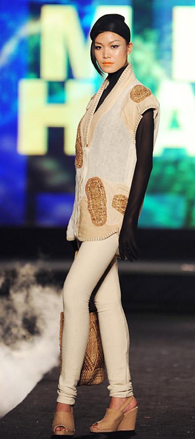 """NTK Minh Hạnh """"chốt"""" lại Tuần lễ thời trang VN 2011 - 3"""