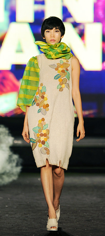 """NTK Minh Hạnh """"chốt"""" lại Tuần lễ thời trang VN 2011 - 5"""