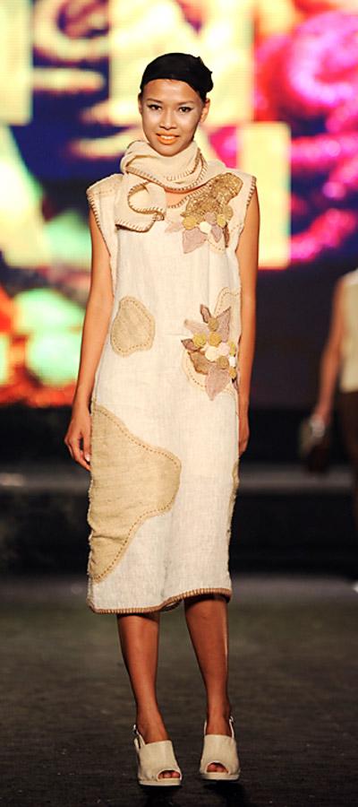 """NTK Minh Hạnh """"chốt"""" lại Tuần lễ thời trang VN 2011 - 10"""