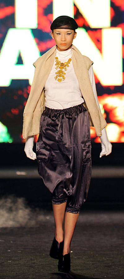"""NTK Minh Hạnh """"chốt"""" lại Tuần lễ thời trang VN 2011 - 14"""