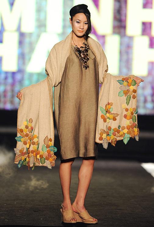 """NTK Minh Hạnh """"chốt"""" lại Tuần lễ thời trang VN 2011 - 11"""