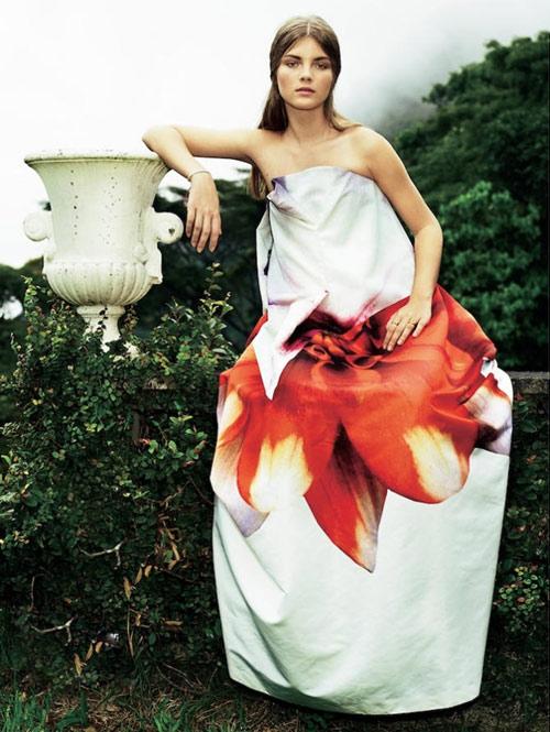 10 mẫu váy hoa kiều diễm để đón hè - 5