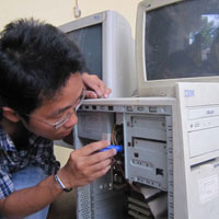 Nên nâng cấp máy tính cũ hay mua máy tính mới?