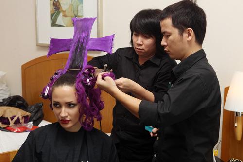 Hà Anh gây sốc với mái tóc cực độc - 12