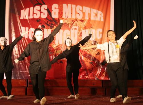 Sắc màu Việt - Trung trong đêm chung kết Miss & Mr Ngôn ngữ 2011 - 3