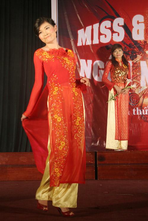 Sắc màu Việt - Trung trong đêm chung kết Miss & Mr Ngôn ngữ 2011 - 13