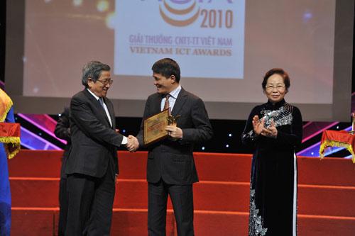 MobiFone lần thứ 3 nhận giải chất lượng tại VICTA 2010 - 4