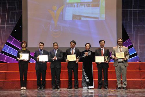 MobiFone lần thứ 3 nhận giải chất lượng tại VICTA 2010 - 6