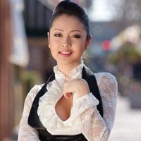 Jennifer Phạm đang chờ đợi để yêu