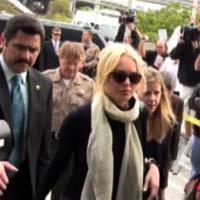 "Video: Lindsay Lohan lại ""bóc lịch"""