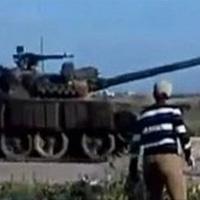 """Xe tăng tấn công """"điểm nóng"""" nhất Syria"""