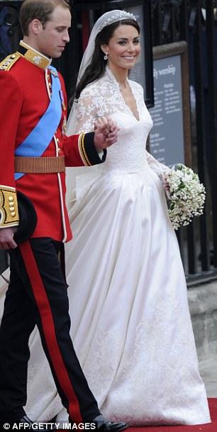 Lộ diện váy cưới được mong đợi nhất thế giới - 11