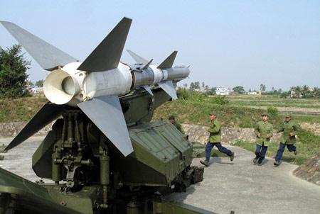 Chùm ảnh: Bộ đội Việt Nam bắn tên lửa - 2
