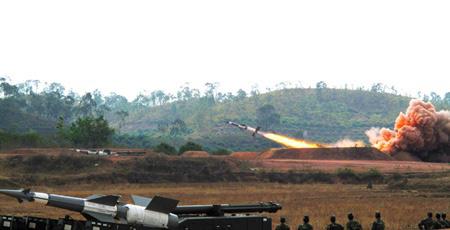 Chùm ảnh: Bộ đội Việt Nam bắn tên lửa - 5