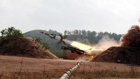 Chùm ảnh: Bộ đội Việt Nam bắn tên lửa - 6