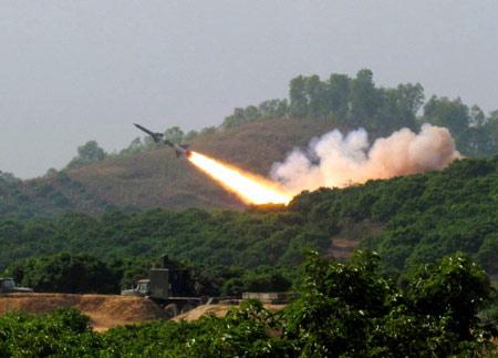 Chùm ảnh: Bộ đội Việt Nam bắn tên lửa - 7