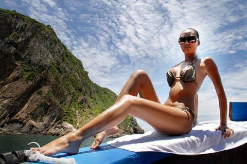 Sao Việt khoe dáng nóng bỏng với bikini - 20