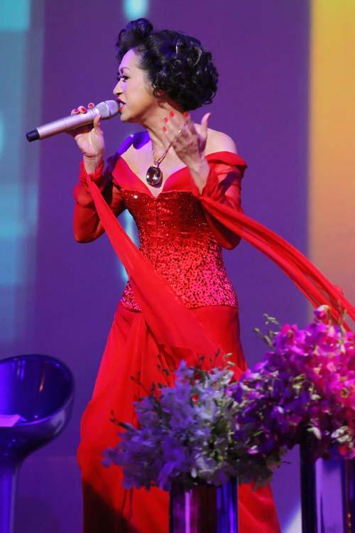 Ý Lan: Bà ngoại hát… Rock - 9
