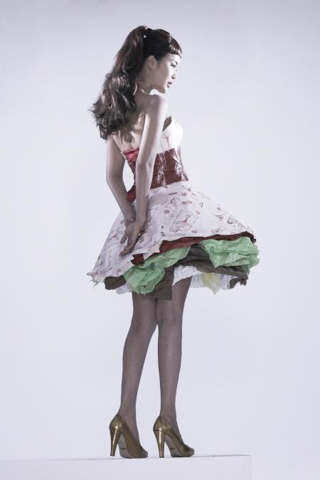 Váy giấy đẹp như mơ của sao Hàn - 4