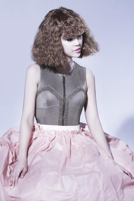 Váy giấy đẹp như mơ của sao Hàn - 6