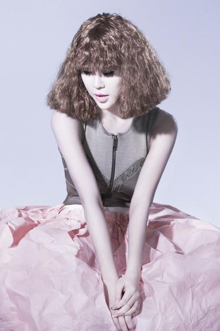 Váy giấy đẹp như mơ của sao Hàn - 8