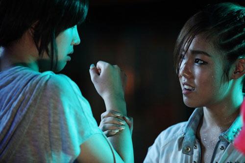 Top 4 phim kinh dị Hàn hot nhất hè 2011 - 13