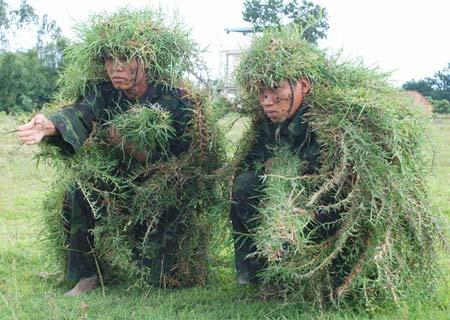 Xem bộ đội đặc công ngụy trang tập luyện - 6