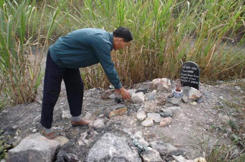 Nghĩa địa chôn toàn thanh niên! - 6